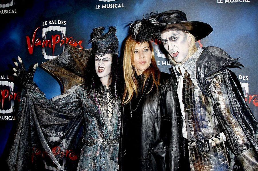 """Mathilde Seigner à la première de la comédie musicale """"Le Bal des Vampires"""" au théâtre Mogador le 16 octobre à Paris"""