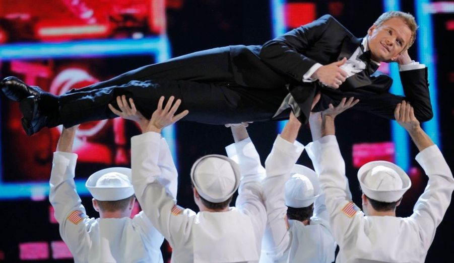 Hier soir avaient lieu les Tony Awards, l'équivalent de nos Molière du théâtre. Les grands noms de Broadway étaient à l'honneur dans ce show à l'américaine, ponctué de numéros de chants et de danse par le présentateur de la soirée, l'acteur Neil Patrick Harris. Retour en images sur la cérémonie.