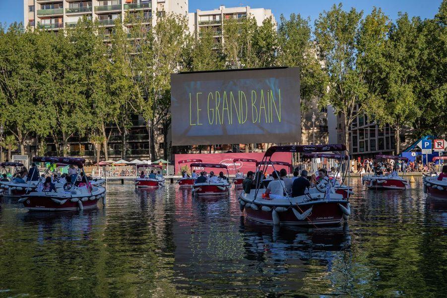 Le cinéma sur l'eau dans le 18e arrondissement de Paris.