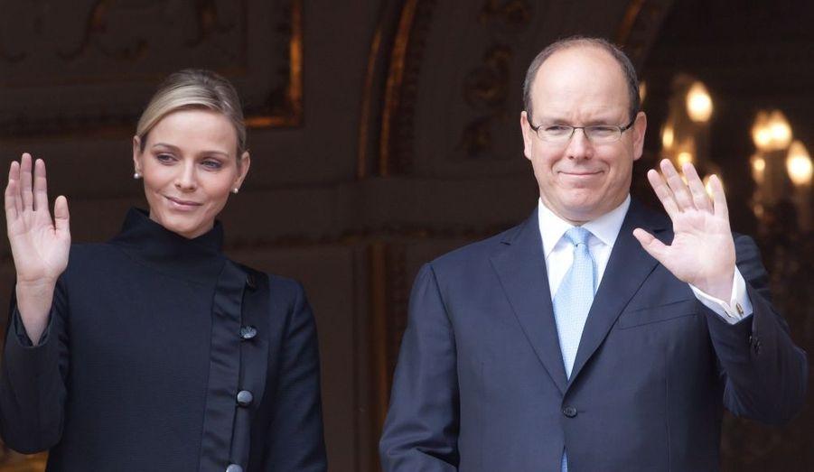 Le Prince Albert II de Monaco et sa fiancée, Charlene , ont assisté hier au traditionnel salut du Saint Sacrement, en l'église Sainte-Dévote, la sainte patronne de la Principauté