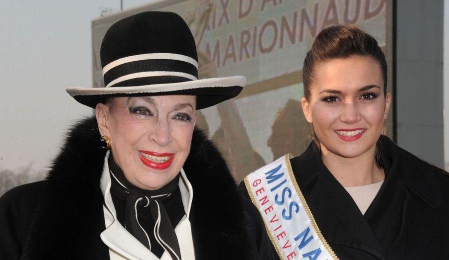 La jeune et jolie Barbara Morel a assisté au Prix d'Amérique en compagnie de Geneviève de Fontenay.