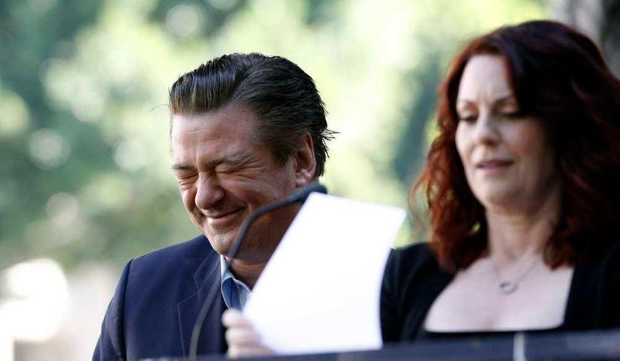 Alec Baldwin en plein fou-rire pendant le discours de l'actrice Megan Mullally lors d'une cérémonie lui attribuant son étoile sur le célèbre Walk of Fame d'Hollywood. L'acteur de 30 Rock était hier le 2433e artiste à recevoir son étoile sur le boulevard de la Gloire, au numéro 6331, juste en face du restaurant Beso d'Eva Longoria.