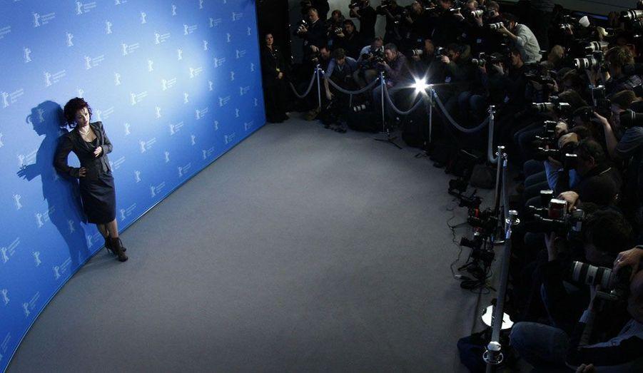 L'actrice britannique Helena Bonham-Carter a dû se plier au jeu des photographies lors de la présentation de son dernier film, «Toast», à Berlin.