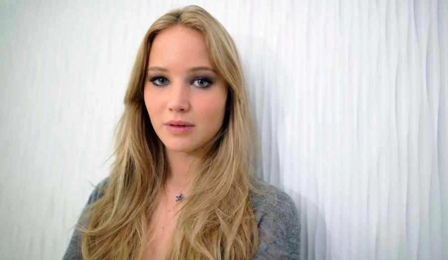 Jennifer Lawrence, nommée pour l'Oscar de la Meilleure actrice pour son rôle dans Winter's Bone, prend la pose pour se faire tirer le portrait à Hollywood.