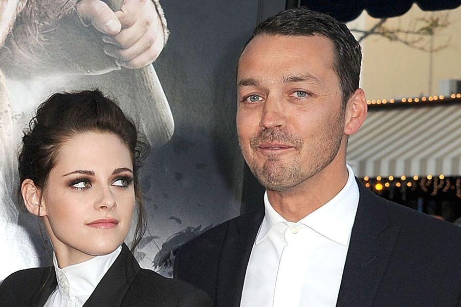 """Kristen Stewart et Rupert Sanders à la première de """"Blanche-Neige et le chasseur"""", en mai 2012."""