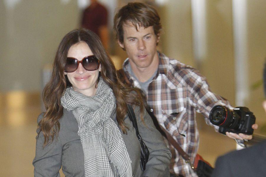 En couple depuis 18 ans, Julia Roberts et Daniel Moder s'étaient rencontrés sur le tournage du film «The Mexican» et travaillent occasionnellement ensemble sur certains films depuis.
