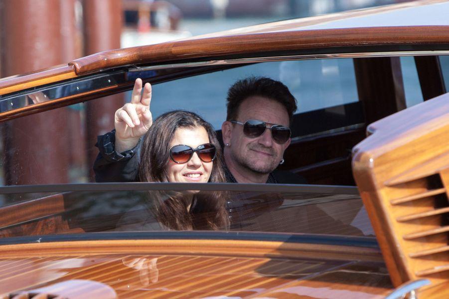 Bono se rend au mariage de George et Amal Clooney à Venise en 2014.