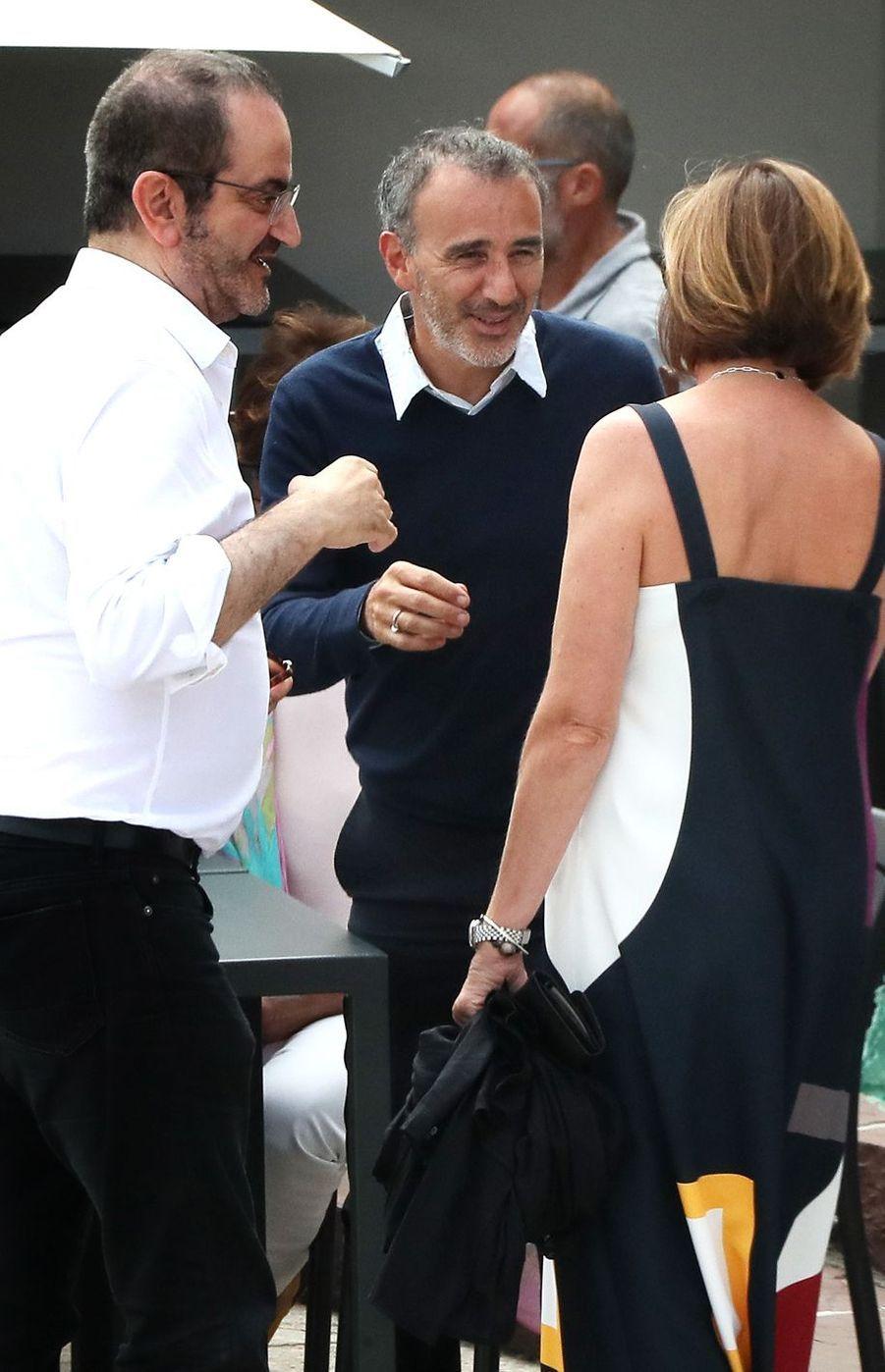 Élie Semoun au mariage de Vincent Cassel et Tina Kunakey en 2018 au Pays Basque
