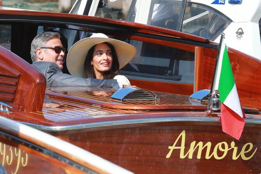 George et Amal Clooney se rendent à la cérémonie de leur mariage civil à Venise en 2014.