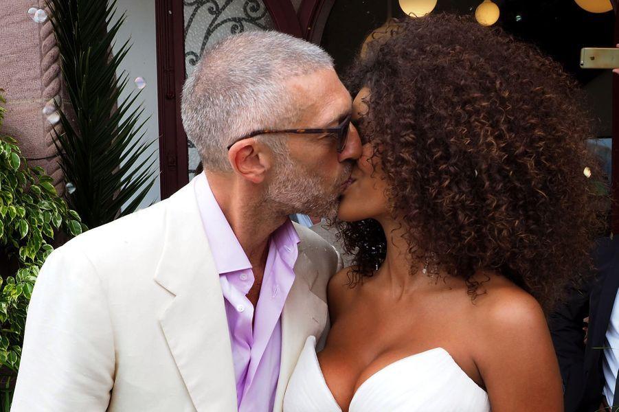 Vincent Cassel et Tina Kunakey à leur mariage en 2018 au Pays Basque