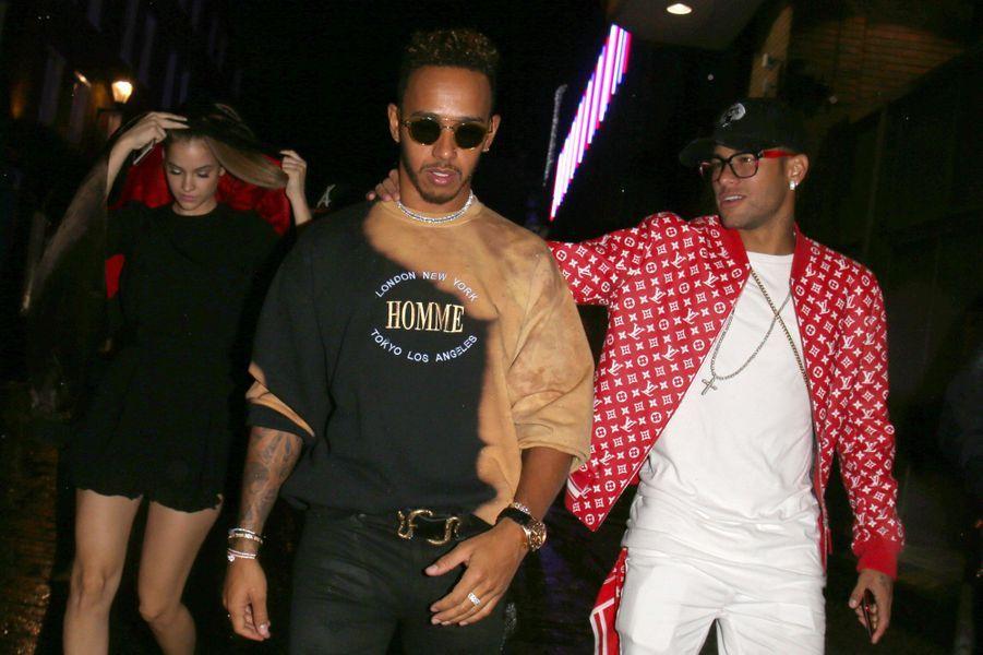 Neymar et Lewis Hamilton à Londres accompagnés de Barbara Palvin