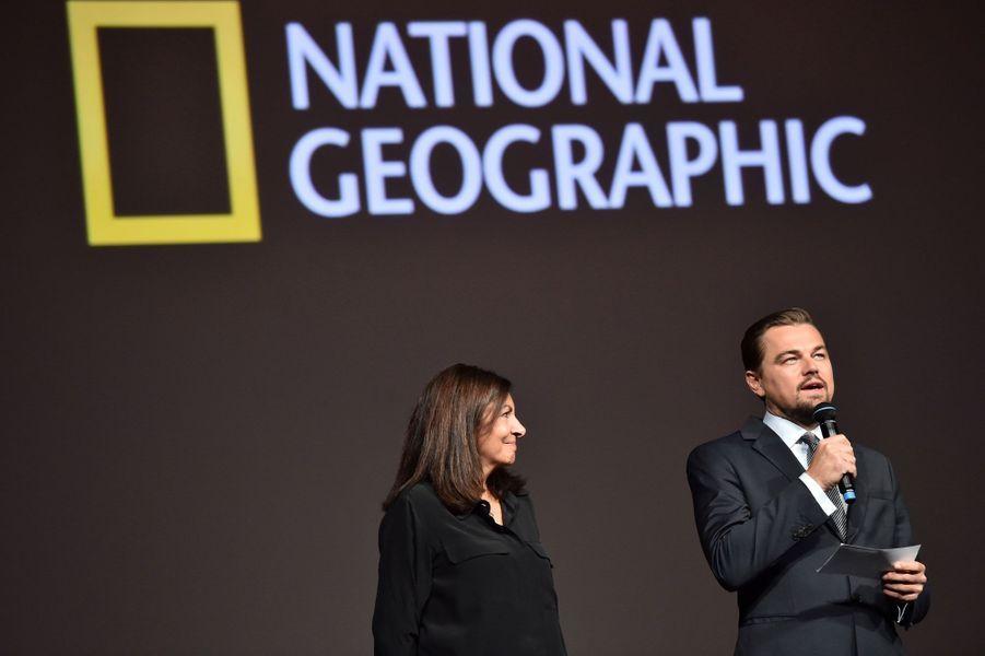 Leonardo DiCaprio, aux côtés d'Anne Hidalgo, présente «Before the Flood», à Paris.