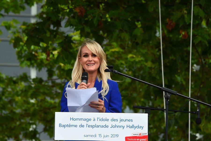 Laeticia Hallyday prononce un discours d'hommage à Johnny Hallyday, samedi à Toulouse.