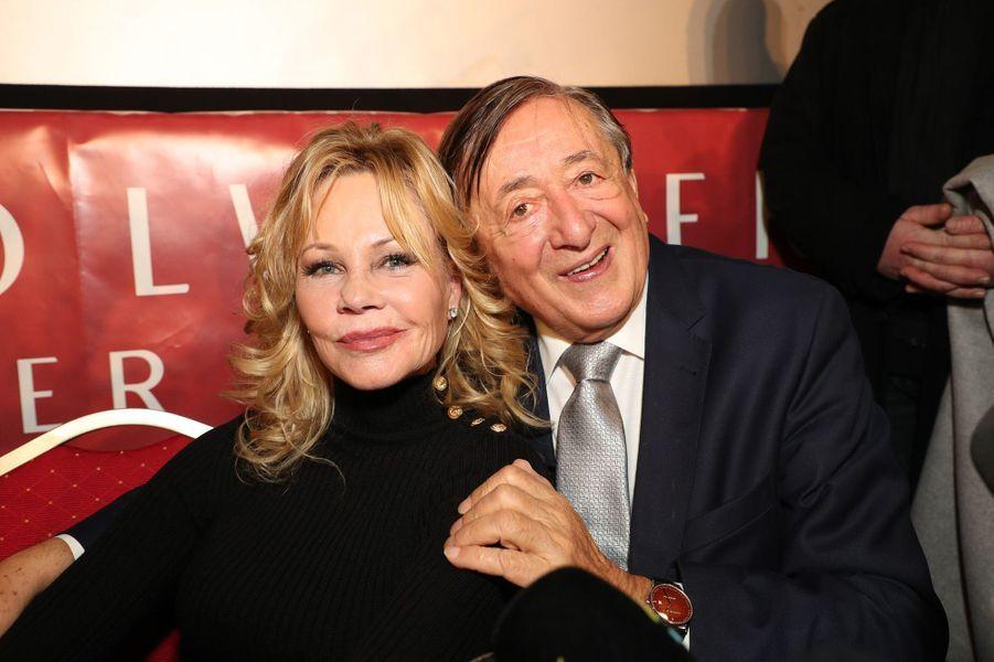 Melanie Griffith avec Richard Lugner à la conférence de presse pour le bal de l'Opéra de Vienne 2018, le 7 février 2018.