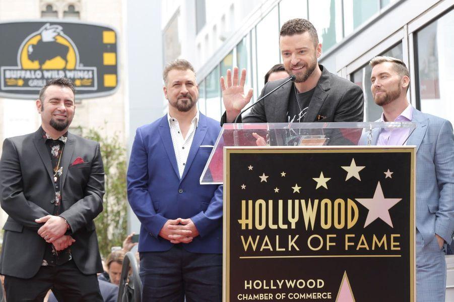 LesNSYNC inaugurent leur étoile à Hollywood Boulevard