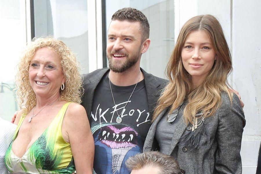 Justin Timberlake, sa mère et Jessica Biel