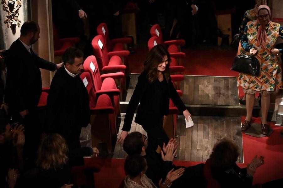 Carla Bruni et son époux Nicolas Sarkozy lundi soir au musée Grévin.