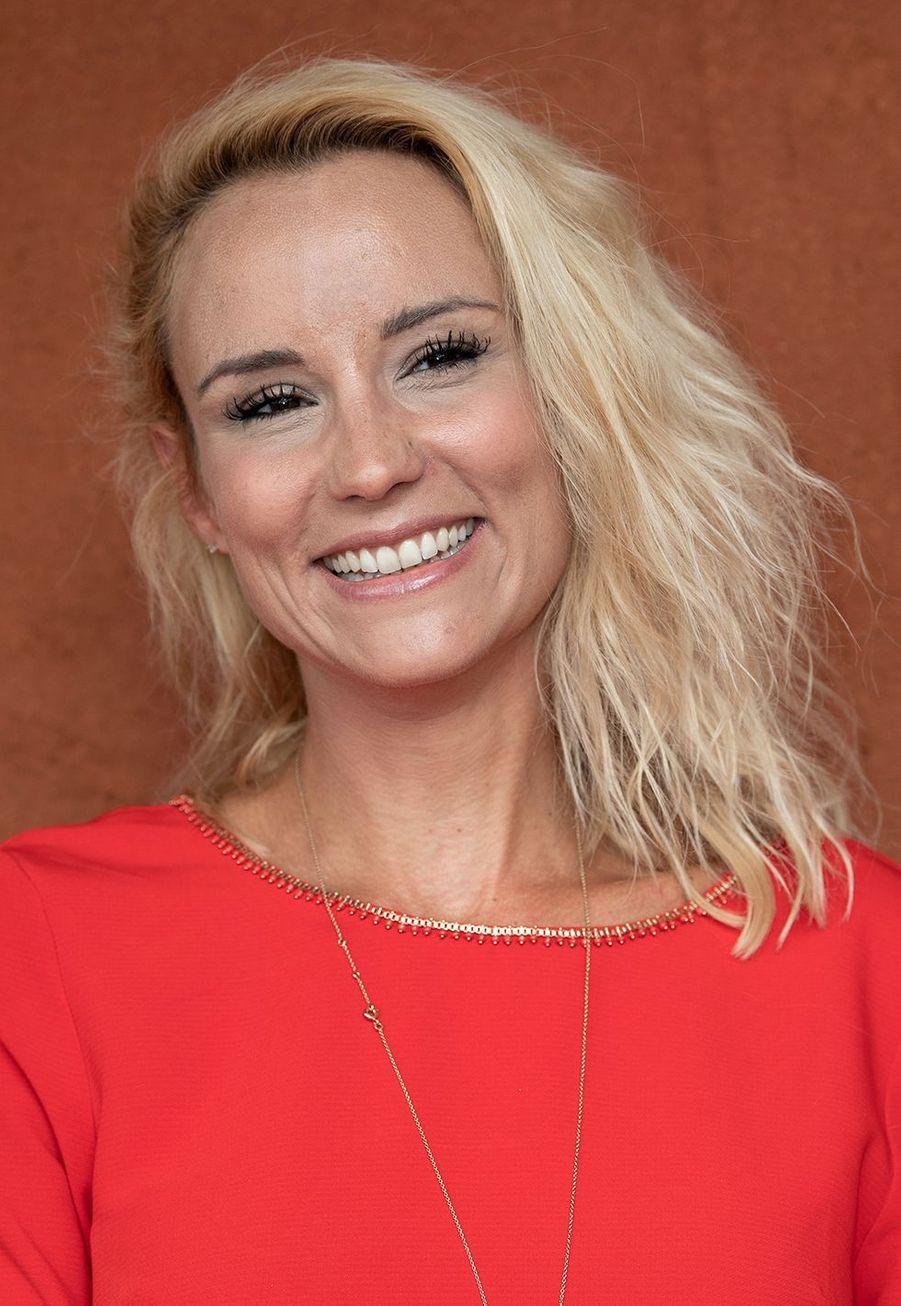 Parfois chroniqueuse à la télévision, Elodie Gossuin est surtout connue pour son travail d'animatrice radio. Elle anime depuis 2015 la matinale de RFM.
