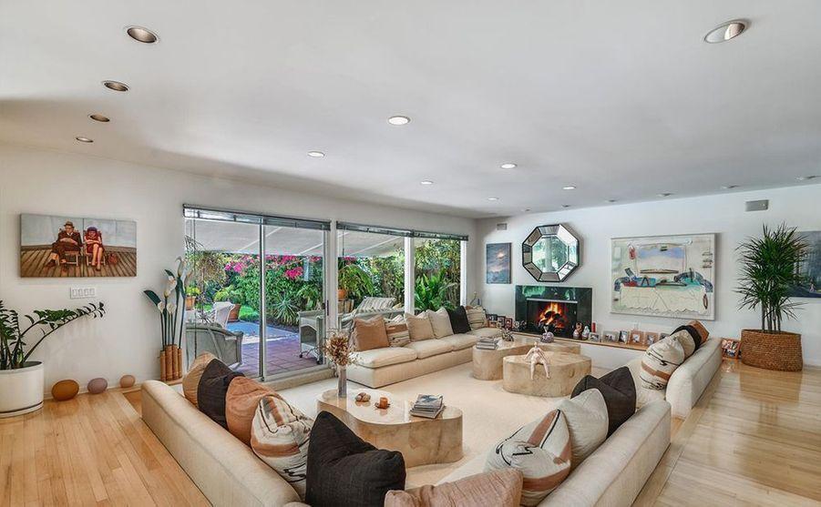 Adele a dépensé 10,65 millions de dollars pour acheter cette maison située à Beverly Hills