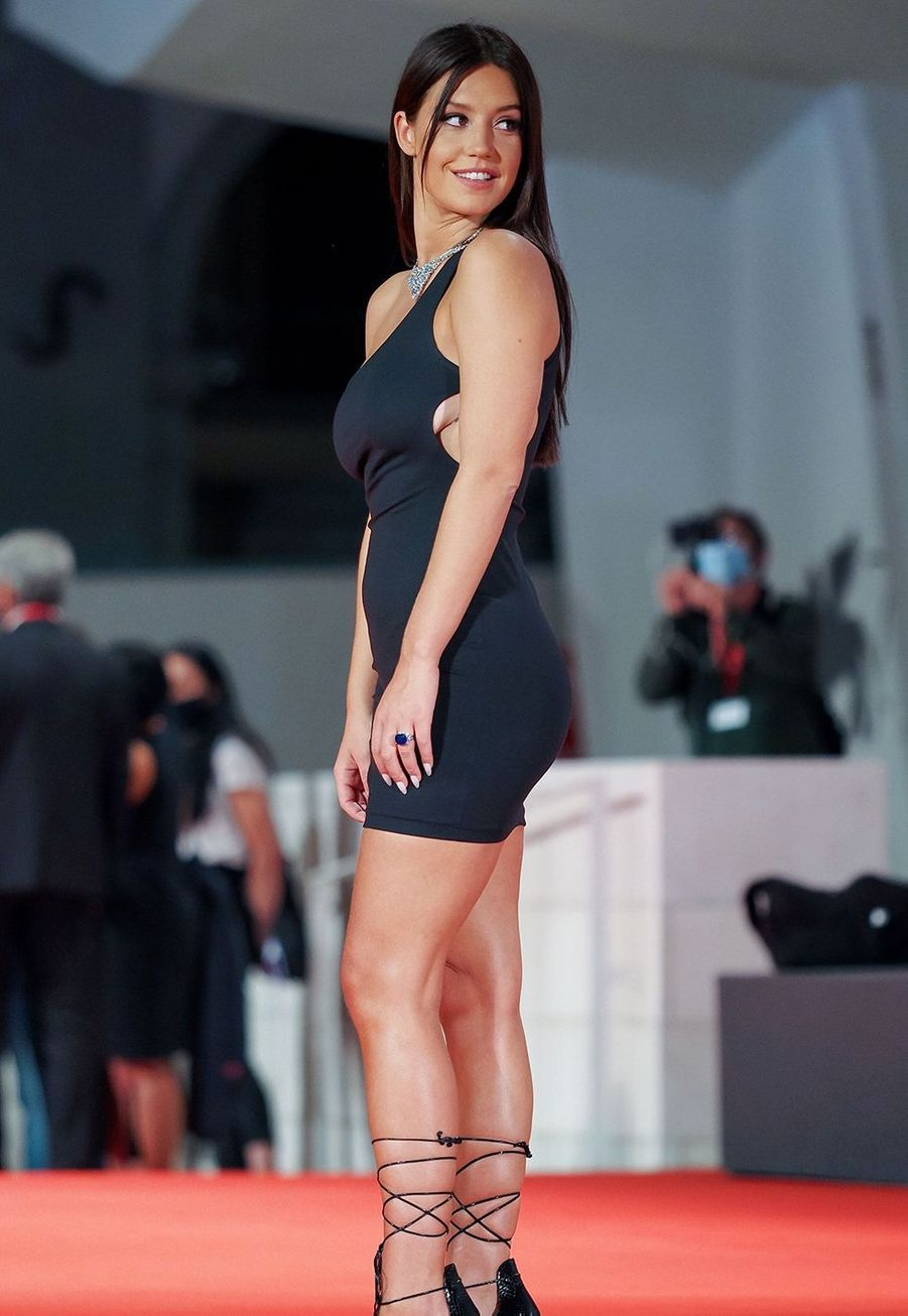 """Adèle Exarchopoulos lors de la première de """"Mandibules"""" à la Mostra de Venise samedi"""