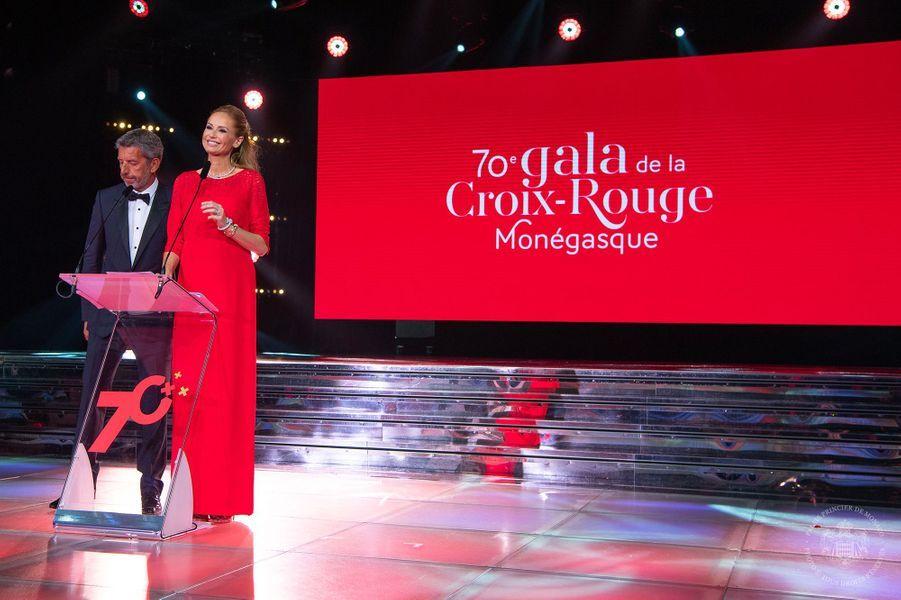 Adriana Karembeu et Michel Cymes au gala de la Croix-Rouge