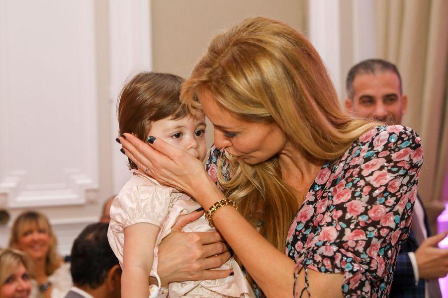 Adriana Karembeu et safille Nina (1 an) auPalais du Pharo de Marseille, le 26 octobre2019.