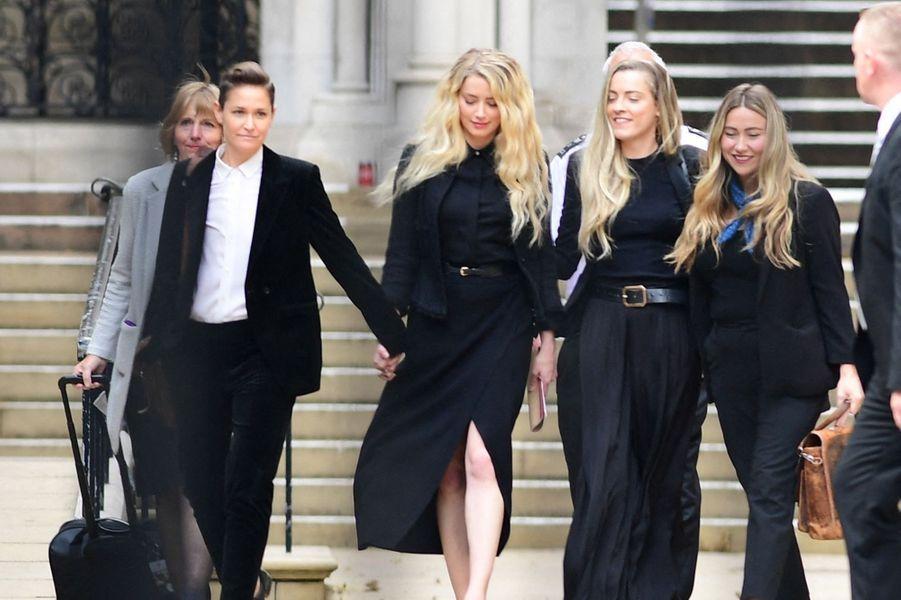 Amber Heardà la sortie de la Haute Cour de Londres le 28 juillet 2020