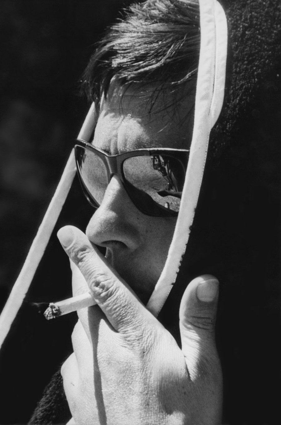 """Les clichés visibles à l'exposition """"Romy Schneider et Alain Delon : les amants magnifiques"""" à la Galerie de l'instant, du22 mars au 7 juin 2017Alain Delon dans """"La Piscine"""""""