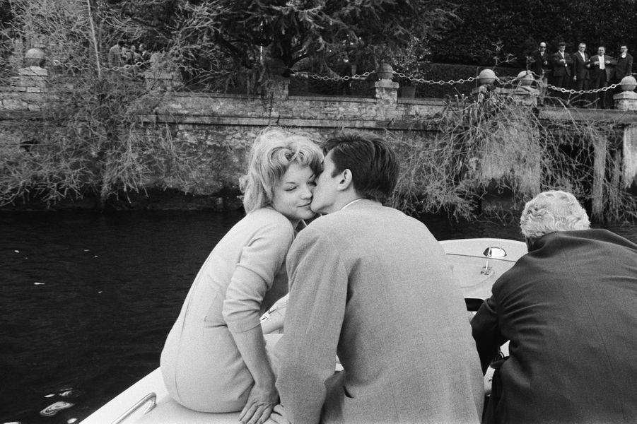 Romy Schneider et Alain Delon lors de leurs fiançailles
