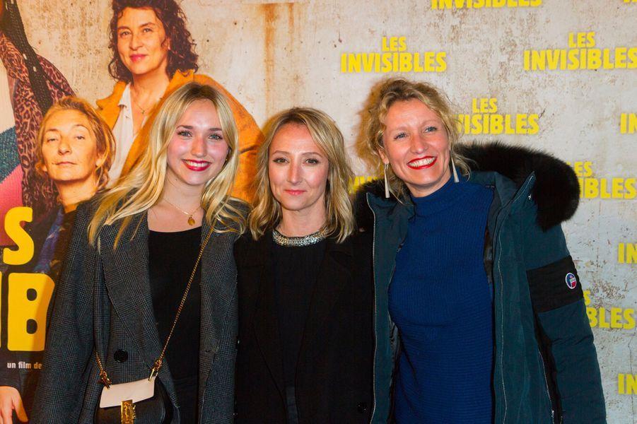 """Chloé Jouannet, Audrey Lamy et Alexandra Lamy à l'avant-première du film """"Les invisibles"""", lundi 7 janvier à Paris"""