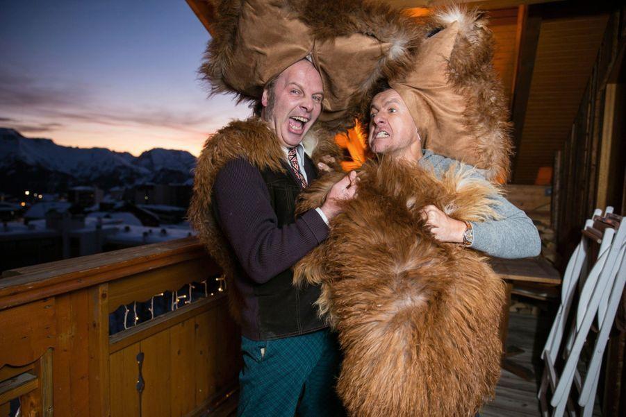 Philippe Katerine et Dany Boon, deux lions en piste.Deux coussins, un plaid et les deux complices du « Lion », la comédie de Ludovic Colbeau-Justin, se transforment en fauves ! A l'hôtel Chamois d'or, le 14 janvier.