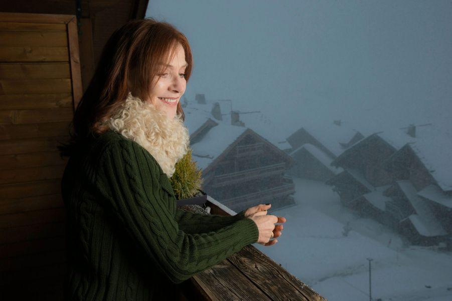 Isabelle Huppert, apprentie dealeuse dans « La daronne », de Jean-Paul Salomé