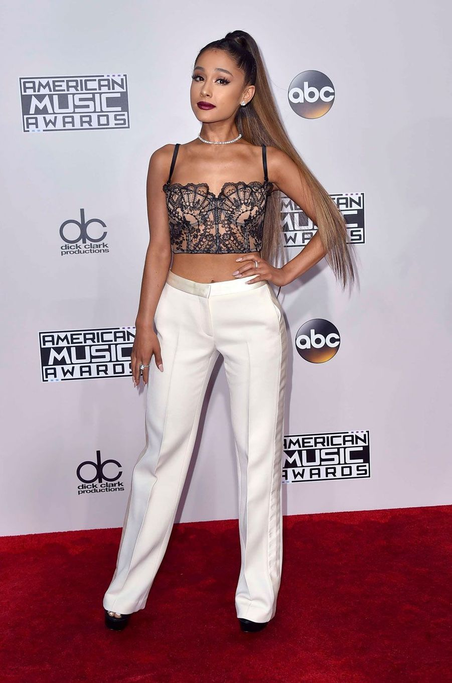 Ariana Grandeaux American Music Awards