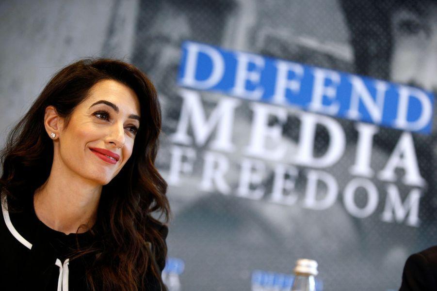 Amal Clooney à Dinard le 5 avril 2019