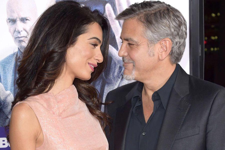 George et Amal Clooney très complices à Los Angeles.