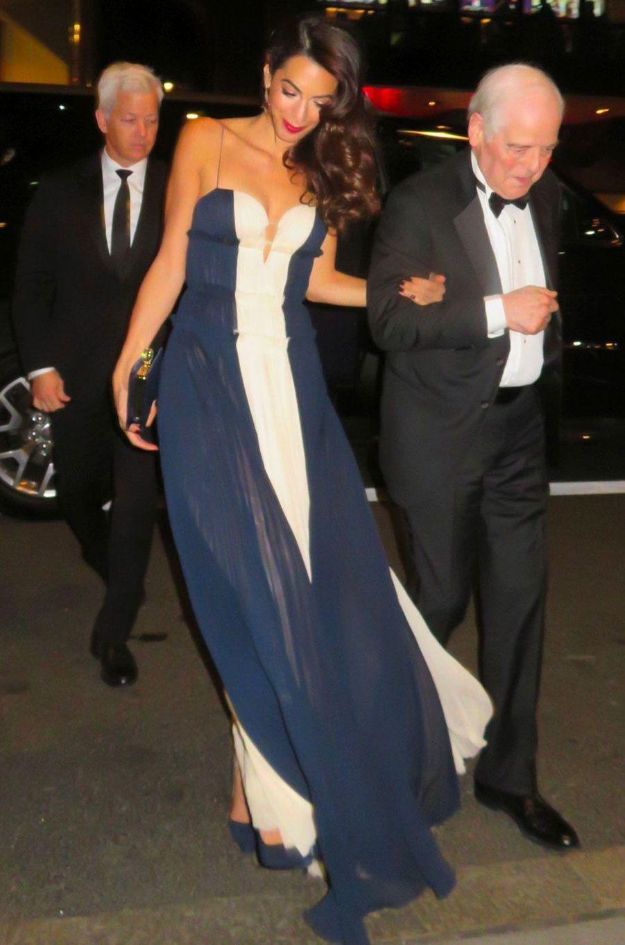 Amal Clooney et son beau-père Nick