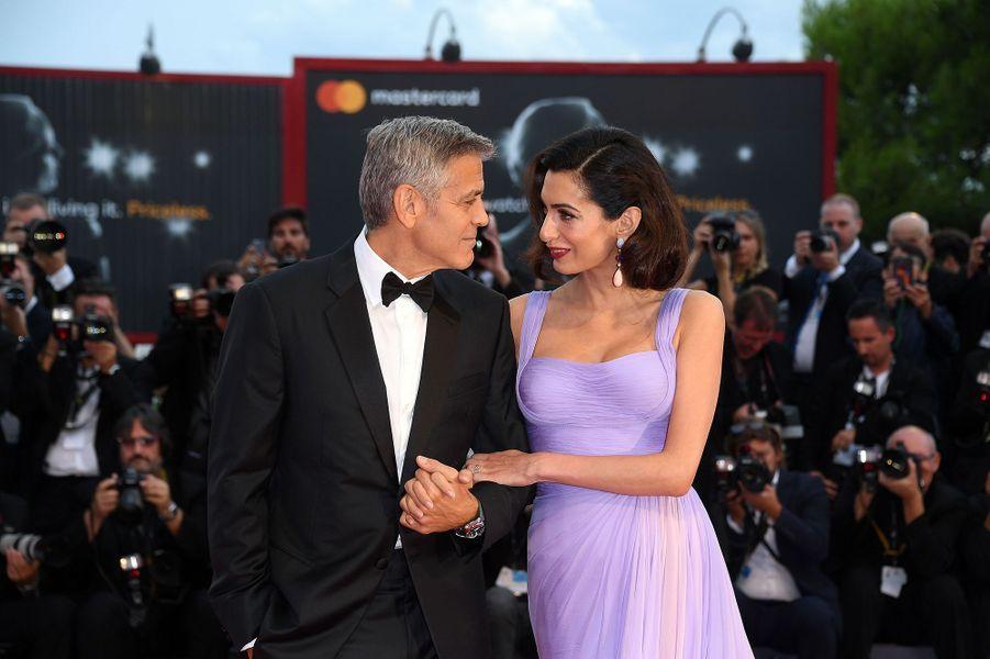 Amal et George Clooney à la première du film «Bienvenue à Suburbicon» au Festival du film de Venise en septembre 2017