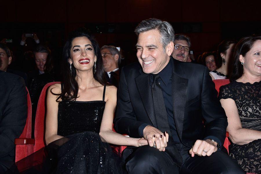 Amal et George Clooney à la première du film «Hail, Caesar !» au Festival du film de Berlin en février 2016