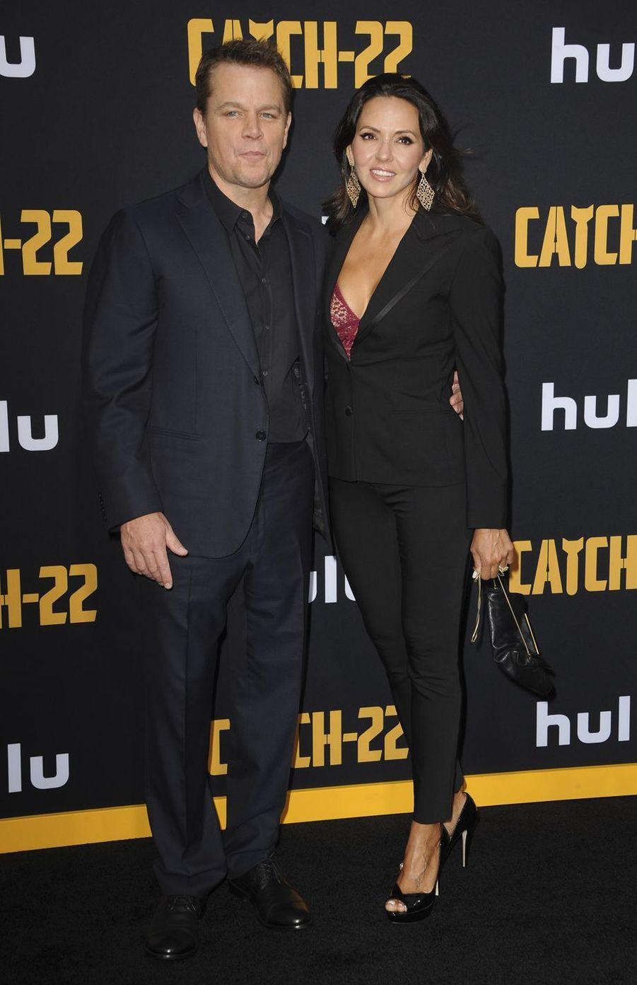 Matt Damon et Luciana Barroso à la première de «Catch-22» à Los Angeles le 7 mai 2019