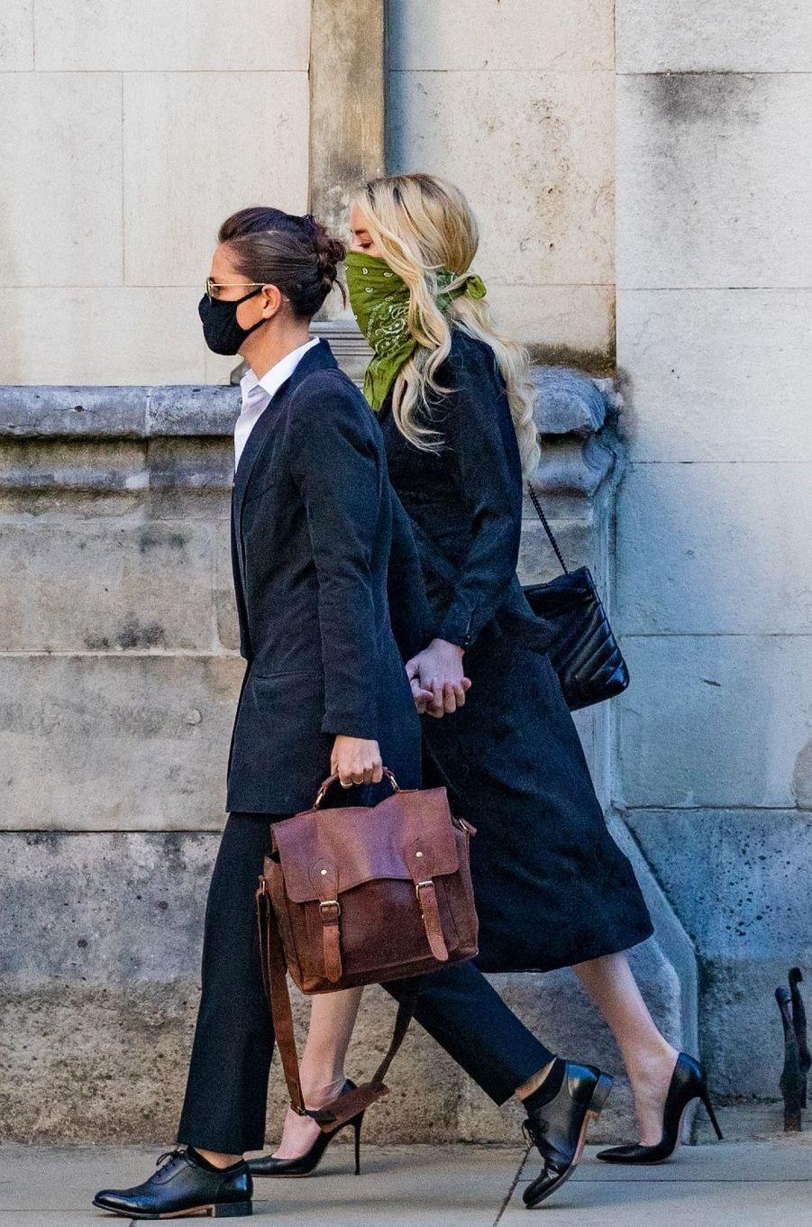 Amber Heard et Bianca Butti à Londres le 10 juillet 2020.