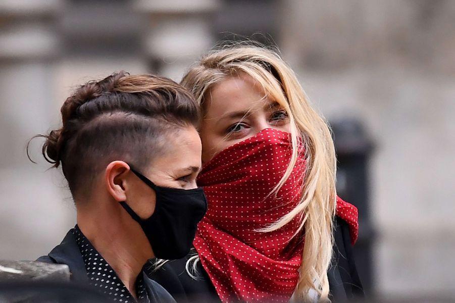 Amber Heard et Bianca Butti à Londres le 9 juillet 2020.