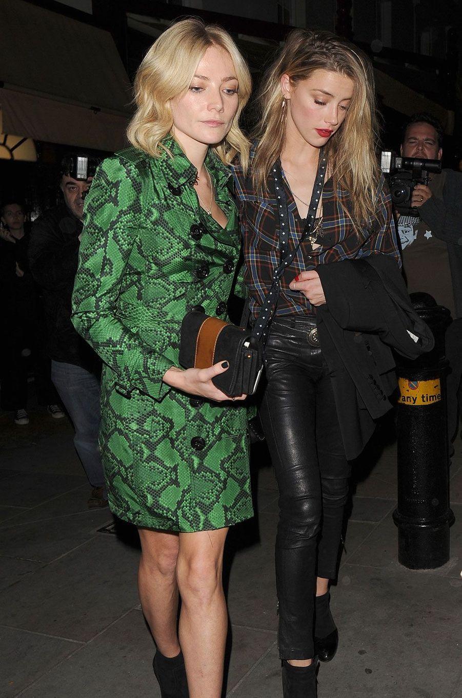 Amber Heard et Clara Paget à Londres