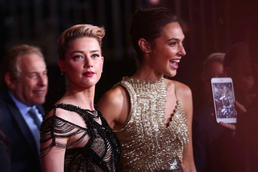 """Amber Heard et Gal Gadot à l'avant-première de """"Justice League"""" à Los Angeles"""