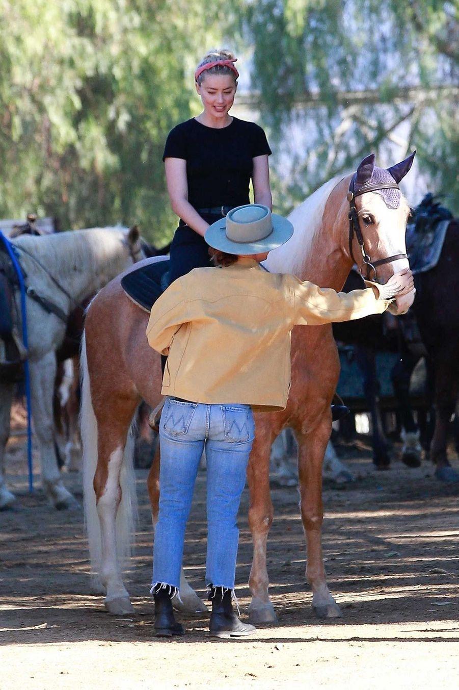 Amber Heard, à cheval dans un centre équestre de Los Angeles.
