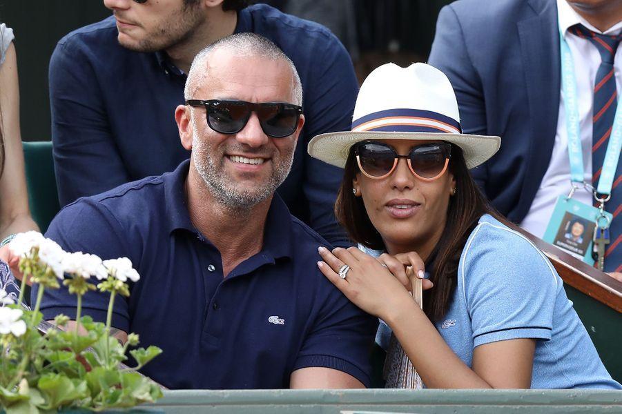 Amel Bent et son époux à Roland Garros, le 3 juin 2018.