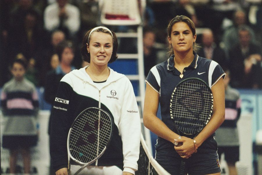 Martina Hingis et Amélie Mauresmo à Paris, le 1er février 1999