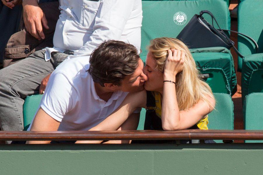Lionel Erdogan et sa petite-amie dans les tribunes de Roland Garros 2018