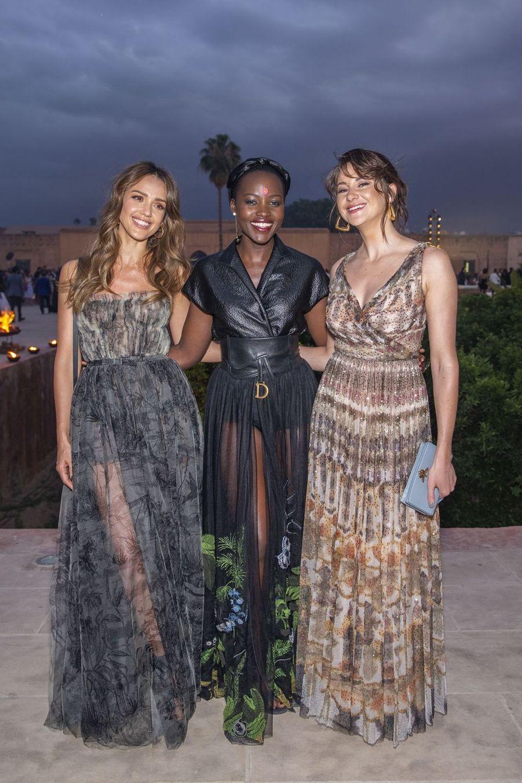Jessica Alba, Lupita Nyong'o et Shailene Woodley au défilé Croisière Dior au Palais El Badi à Marrakech, le 29 avril 2019.