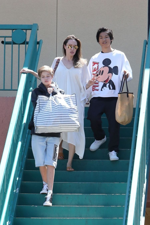Angelina Jolie avec sa fille Shiloh et son fils Pax à Los Angeles le 25 août 2019
