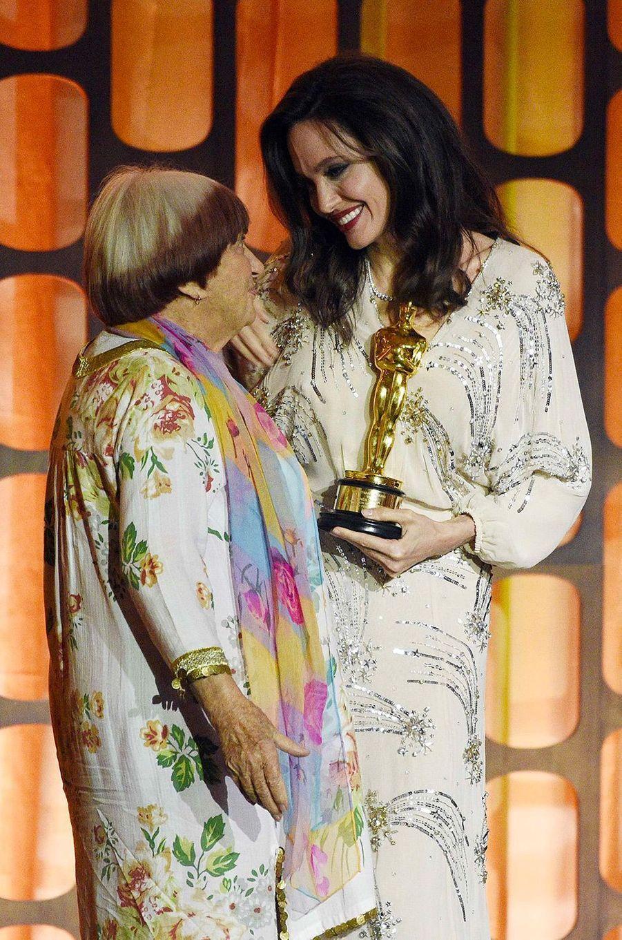 Angelina Jolie et Agnès Varda aux Governors Awards à Los Angeles, samedi 11 novembre